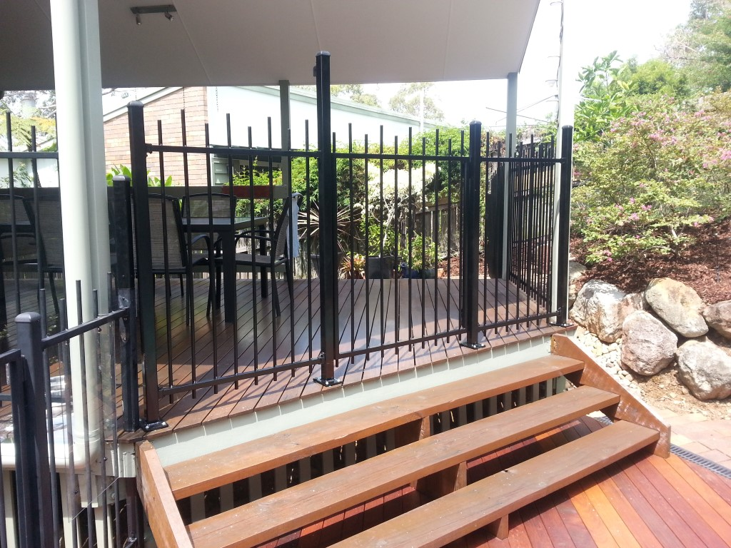Aluminium Pool Fence, Robson's Pool Safety Inspections, 7A/20 Bogong Street Riverhills Brisbane, QLD 4074