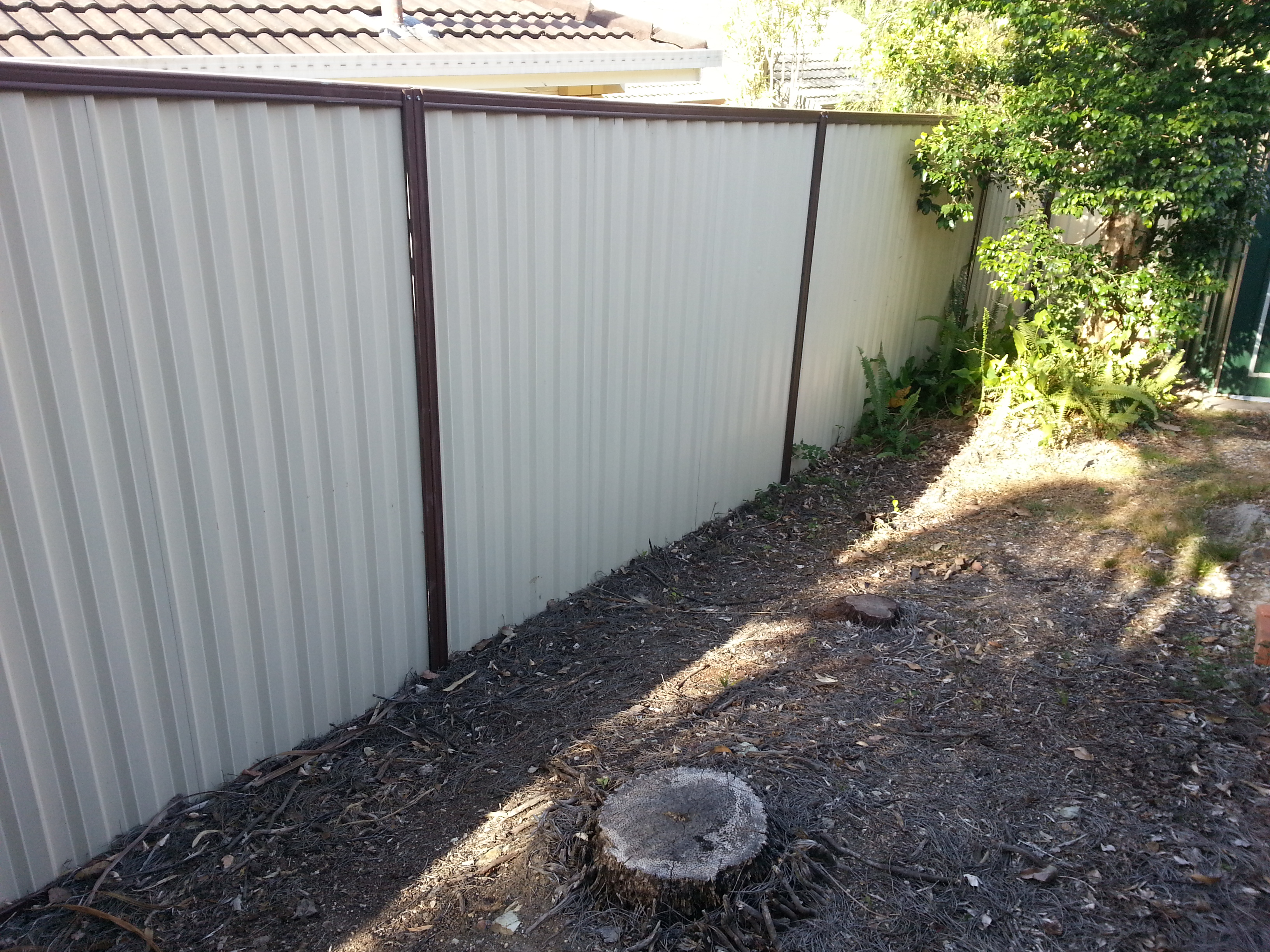 Colorbond Pool Fence1, Robson's Pool Safety Inspections, 7A/20 Bogong Street Riverhills Brisbane, QLD 4074