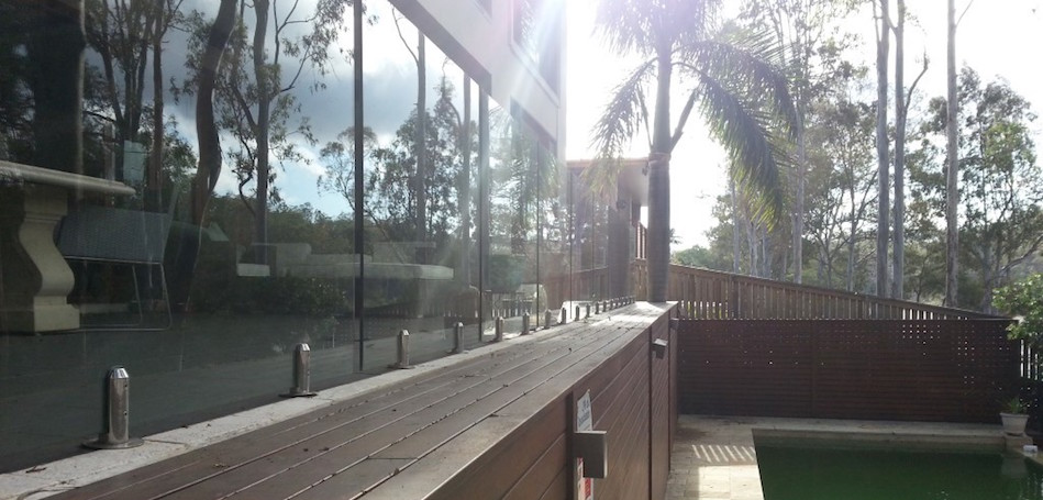 Glass Pool Fence14long, Robson's Pool Safety Inspections, 7A:20 Bogong Street Riverhills Brisbane, QLD 4074 copy